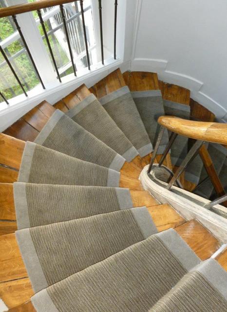 escalier sur mesure en ligne interesting pour plus de. Black Bedroom Furniture Sets. Home Design Ideas